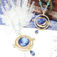 Diy Uv Resin, Diy Resin Crafts, Resin Art, Resin Jewlery, Galaxy Jewelry, Flower Costume, Fashion Jewelry, Women Jewelry, Kawaii Jewelry