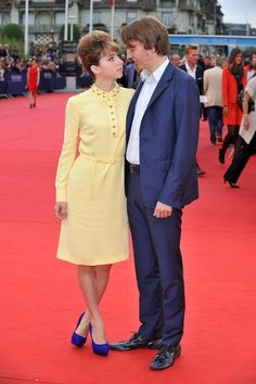 Paul Dano and Zoe Kazan Paul Dano Zoe Kazan, Zoe Kazan Style, All The Young Dudes, Hollywood Couples, Cool Style, My Style, Character Portraits, Eclectic Style, Red Carpet Fashion