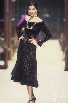 Givenchy, Autumn-Winter 1992, Couture on www.europeanafashion.eu