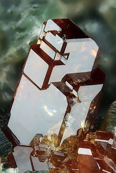 Hessonite garnet / Mineral Friends <3