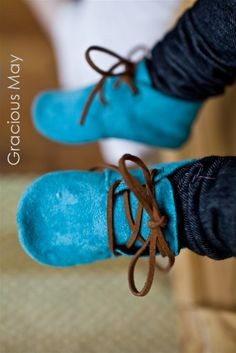 I GOTS TO GET ME A PATTERN TO MAKE THESE....PERFECT FOR LITTLE FEET... (BET I COULD MAKE A PAIR FOR ME TOO) BSpunky Blue Suede Shoes Gracious May by GraciousMay on Etsy