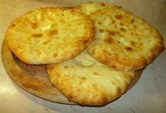 Χατζαπούρι: η γεωργιανή τυρόπιτα Cheese Recipes, Cooking Recipes, Tasty Videos, Appetisers, Mediterranean Recipes, Greek Recipes, Street Food, Finger Foods, Food Processor Recipes