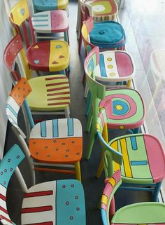 painted furniture Come dipingere una se - furniture Whimsical Painted Furniture, Hand Painted Furniture, Funky Furniture, Paint Furniture, Upcycled Furniture, Shabby Chic Furniture, Furniture Projects, Furniture Makeover, Diy Projects