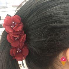 Presilha Banana com Flores para penteado