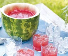 Watermelon Punch and Bowl - Martha Stewart Recipes. Imagine if a wee bit o' rum or watermelon vodka was added to this! Recettes Martha Stewart, Martha Stewart Recipes, Snacks Für Party, Party Drinks, Bbq Party, Party Fun, Picnic Drinks, Perfect Party, Party Favors