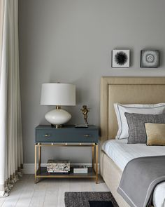 use accent furniture picture of Modern Luxury Bedroom, Luxurious Bedrooms, Bedroom Setup, Bedroom Decor, Gold Interior, Interior Design, Home Decoracion, Bedroom Furniture Design, Accent Furniture