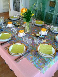 #spring inspiration #tablescape with #greens, #yellow and #coral