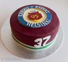 Ice hockey team Karhu-kissat fondant cake with logo