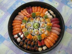 large sushi combo aerial view « Crazed Mangoes (sushi,food,food porn)