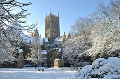 Lincoln Cathedral in the snow-former Catholic Cathedral -- Now state run protestant London Bridges Falling Down, Lincoln Cathedral, Gothic Cathedral, Snow Scenes, Fantasy Landscape, Lake District, Art And Architecture, Great Britain, Travel Pictures