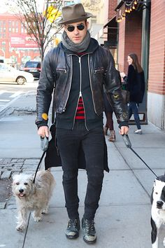 From badass biker-inspired leather jackets and boots to grail-level Supreme gear, here's every one of Justin Theroux's best outfits, all in one place.