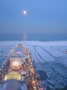 Moon over Navy Pier - Navy Pier is Chicagos most popular destination, and its been undergoing some massive improvements! Navy Pier Chicago, Chicago Skyline, Chicago Illinois, Chicago Chicago, Chicago Winter, Chicago Christmas, Chicago Travel, My Kind Of Town, Lake Michigan