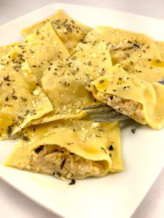 Homemade Ravioli with Creamy Chicken Bacon Filling Homemade Ravioli Filling, Homemade Pasta, Chicken Ravioli, Chicken Bacon, Ravioli Bake, Pasta Recipes, Cooking Recipes, Dinner Recipes, Bacon Recipes