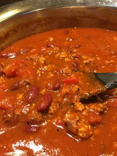 Hearty Chili Recipe, Chili Recipes, Ground Beef, Ground Turkey, Cooking With Olive Oil, Kidney Beans, Tomato Paste, One Pot Meals
