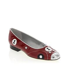 I really adore these shoes with some boyfriend jeans : VANELi Patent Leather Race Car Flat