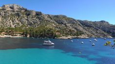 Calanque de Sormiou is a protected area which is frequented by hikers and climbers who come from all over France to experience and enjoy such exquisite surroundings. The beautiful sea is crystal clear and continually changes tones from turquoise to deep dark blue.