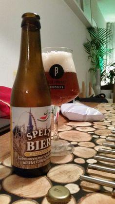 Speltbier honingbier // 7.7/10 // thanks @peterrenders // Gebrouwen met spelt en hop uit Het Groene Woud door Sint Servattumus te Schijndel