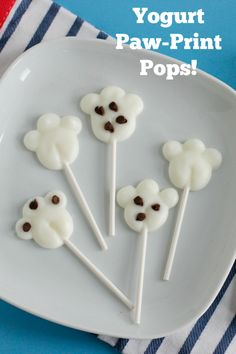 We made these super simple Yogurt Paw-Print Pops to munch on as we celebrate the new release of the The Secret Life of Pets now on DVD & Blu-ray!! They are quick and easy to make, yummy for the whole family to snack on #TheSecretLifeOfPets #PetsPack #ad
