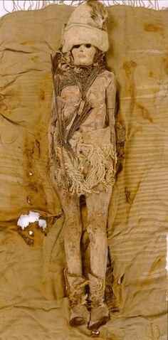 """Die """"Schöne von Xiaohe"""": die etwa 4000 Jahre alte Mumie einer Frau aus dem westlichen China."""