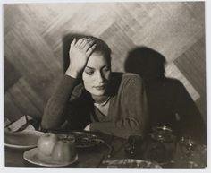 Man Ray- Lee Miller accoudée vers 1932