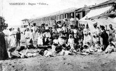 Viareggio - Sulla spiaggia del bagno Felice