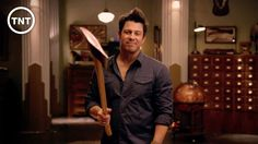 https://www.youtube.com/watch?v=__bArAHCyMM&index=15&list=PLJ4e4Lb87XTxByjCnLS93U1nOtz_3qqvl  Posted to  youtube by TNT.. The LIbrarians promo..  Christian kane as Jake Stone!