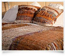 Welcome Telaresisa. Wool Pillows, Bed Pillows, Loom Weaving, Hand Weaving, Native Design, Home Curtains, Textiles, Southwestern Style, Textile Artists
