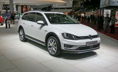 The 2016 Volkswagen Golf SportWagen Crossover image is posted on http://www.gtopcars.com by Linda Marrero at Jul 5, 2015.