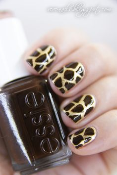 Fungiraffe print nails by Nails Maniac V.!