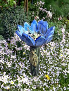 "Keramik - Gartenkeramik kleine ""FANTASIEBLUME"" blau - ein Designerstück von Brigitte_Peglow bei DaWanda"