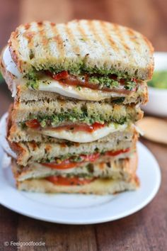 Homemade Grilled Mozzarella Sandwich with Walnut Pesto and Tomato that's easy to assemble and bursting with flavor - lunch never looked so good! Lunch Recipes, Vegetarian Recipes, Cooking Recipes, Healthy Recipes, Recipes With Pesto, Club Sandwich Recipes, Panini Recipes, Grilled Cheese Recipes, Pesto Sandwich