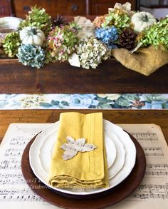love the sheet music placemat