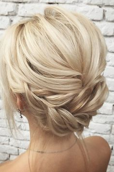 """amazing updo wedding hairstyles, Easy hairstyles, """" amazing updo wedding hairstyles Source by olaschnorr. Short Wedding Hair, Wedding Hairstyles For Long Hair, Wedding Hair And Makeup, Wedding Updo, Prom Makeup, Wedding Bride, Hair Makeup, Wedding Rings, Top Hairstyles"""