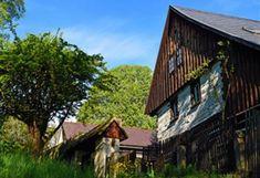 Kudy z nudy - Hrázděné a roubené domy v Mšeně na Kokořínsku Cabin, House Styles, Places To See, Home Decor, Bohemia, Decoration Home, Room Decor, Cottage, Interior Decorating