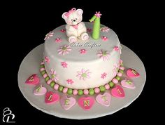Beautiful, these decorations but in a number 2 cake and rainbow colours 1st Birthday Cake For Girls, Baby Birthday Cakes, Birthday Ideas, Girly Cakes, Cute Cakes, Little Girl Cakes, Popcorn Cake, Specialty Cakes, How Sweet Eats