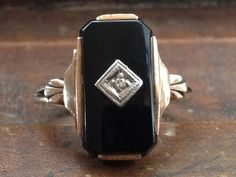 vintage art deco 10K onyx and diamond geometric ring