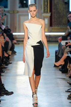 Roland Mouret at Paris Fashion Week Spring 2013