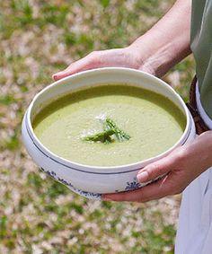 Sopa de courgettes com espargos Ethnic Recipes, Food, Good Things, Veggies, Ethnic Food, Beverages, Soups, Meals, Yemek