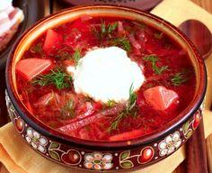 pratos típicos para experimentar na Ucrânia borscht