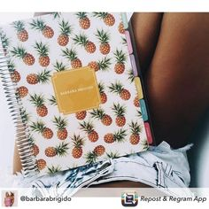 As estampas de abacaxi são tendência na moda...e não podia faltar no Daily…