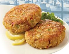 Weight Watchers Ultimate Crab Cakes Recipe With Points, Healthy Crab Cakes Recipe To Help With Your Diet Plan. Weight Watchers Crab Cakes Recipe And Only 4 Points Plus Per Serving. Skinny Recipes, Ww Recipes, Low Calorie Recipes, Light Recipes, Seafood Recipes, Cooking Recipes, Healthy Recipes, Seafood Diet, Recipies