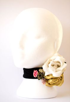 Vintage inspired bouquet of roses choker by Mooshi