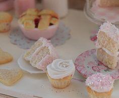 minature cake and pie