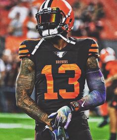 is one of my favorite football players in the history of the really proud of u man. Nfl Football Players, American Football Players, Alabama Football, Football Helmets, Football Art, College Football, Oklahoma Sooners, Odell Beckham Jr Wallpapers, Football Tattoo