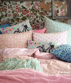 <3  ~ I Adore the Pillows With the Bicycle on Them~