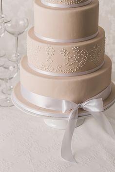 Die schönsten Hochzeitstorten und Trends für 2016 werden euch heute ...