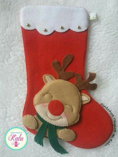 Felt Christmas Stockings, Felt Christmas Ornaments, Christmas Wrapping, Christmas Diy, Christmas Decorations, Pinterest Christmas Crafts, Theme Noel, Felt Patterns, Felt Dolls