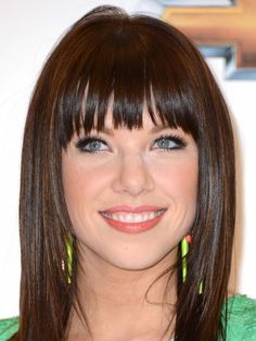 Estilo: Carly Rae Jepsen - Just Lia Hairstyles With Bangs, Pretty Hairstyles, Straight Hairstyles, Hairstyle Photos, Carly Rae Jepsen, Love Hair, Great Hair, Medium Hair Styles, Long Hair Styles