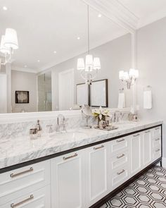 L U X U R Y B A T H R O O M We believe there is nothing more luxurious than an all white master ensuite … clean, crisp and oozing in sophistication and elegance 📷 If you are ill and weary of your out of date bathroom that seems to… Read Bathroom Red, Bathroom Rug Sets, Bathroom Layout, Bathroom Interior Design, Modern Bathroom, Bathroom Mirrors, Kohler Bathroom, Bathroom Photos, Bathroom Ideas