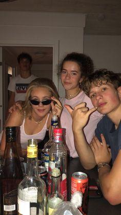 I Need Friends, Cute Friends, Summer Dream, Summer Girls, Best Friends Aesthetic, Teenage Dirtbag, Teen Life, Best Friend Pictures, Friend Goals